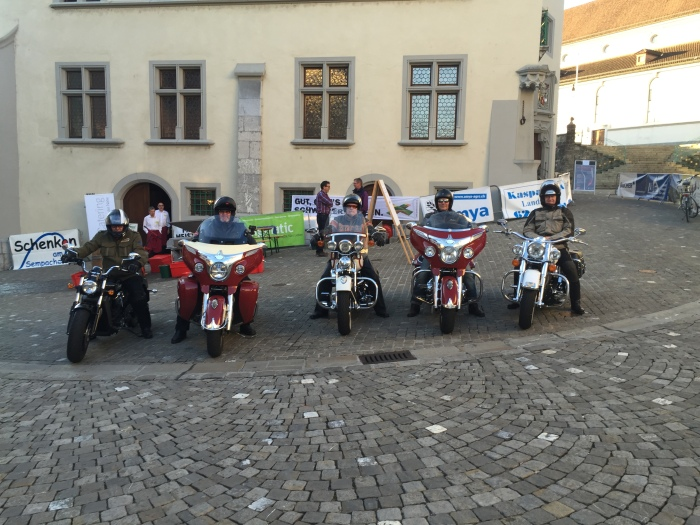 3 Indian & 2 Harleys in Sursee