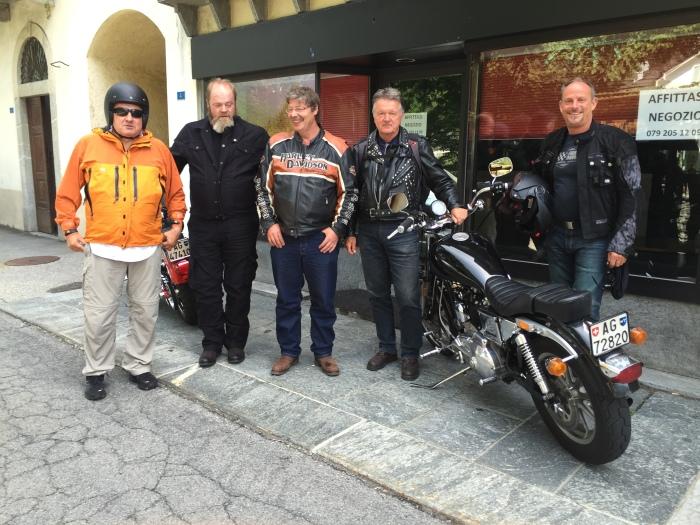 Ernesto, Andreas, Manfred, Sepp und Ruedi auf Tour im Maggiatal