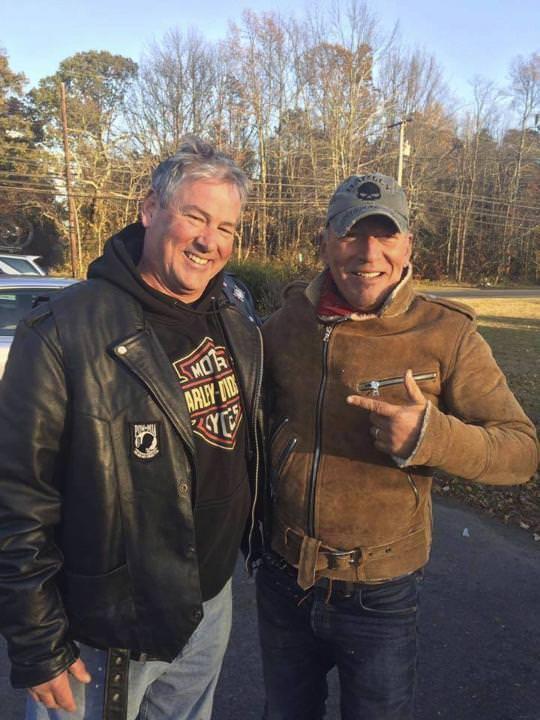 Bruce Springsteen mit Motorradpanne. (Quelle NZZ 13.11.16)