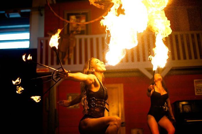 Fuel Girls Feuershow