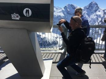 Reto Ansorge mit Andreas Schneider im Hintergrund